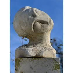 Portret de femeie I - sculptură în piatră, artist Liviu Bumbu