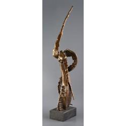 Rănit - sculptură în bronz, artist Liviu Bumbu
